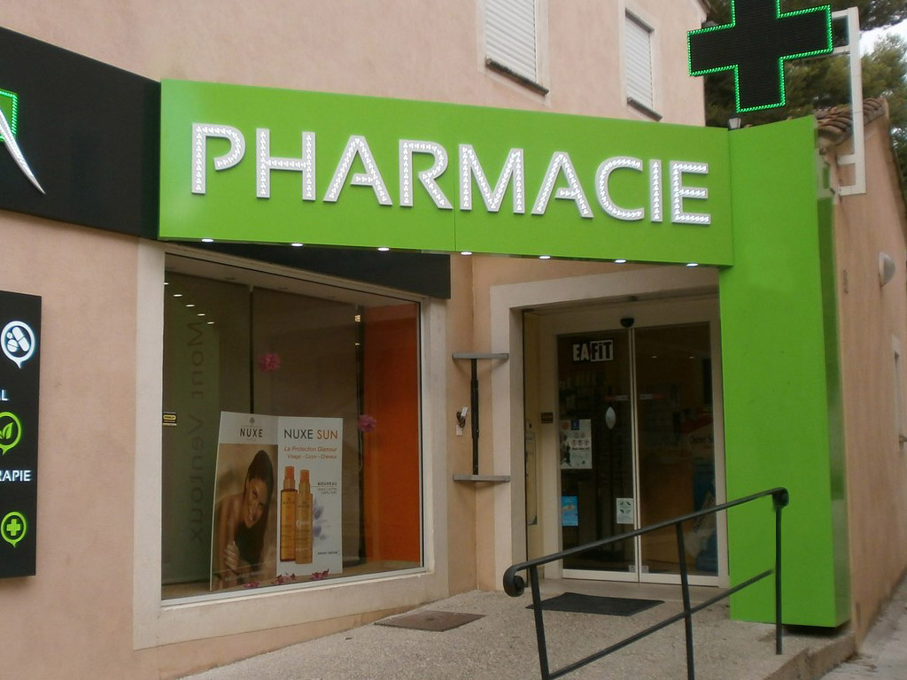 Enseigne facade pharmacie