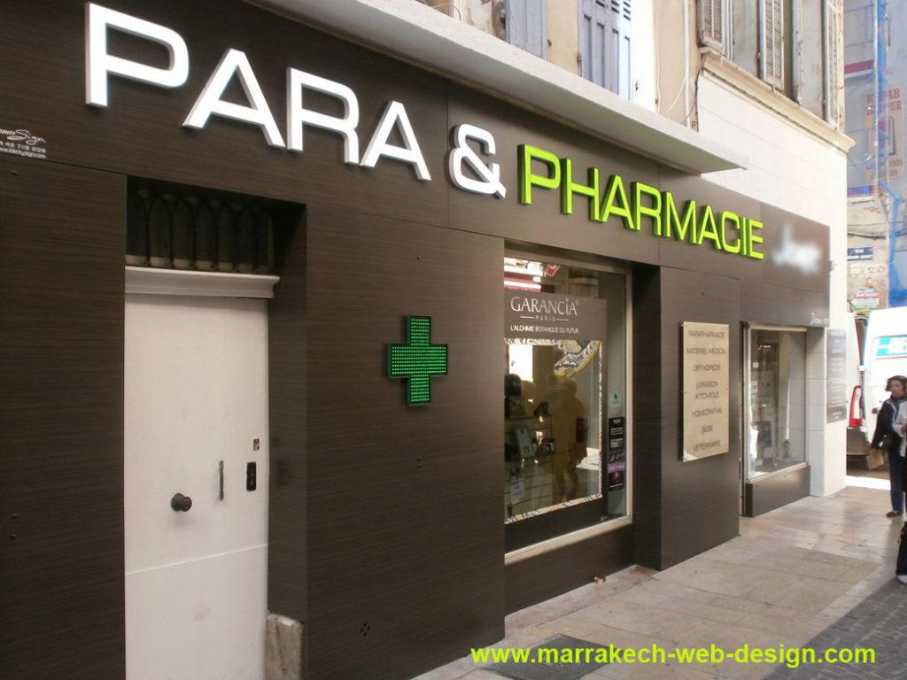 Facade enseigne de pharmacie